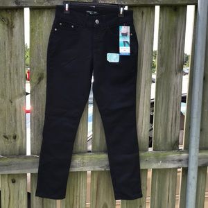NWT Riders Lee Mid Rise Skinny Stretch Black Jeans